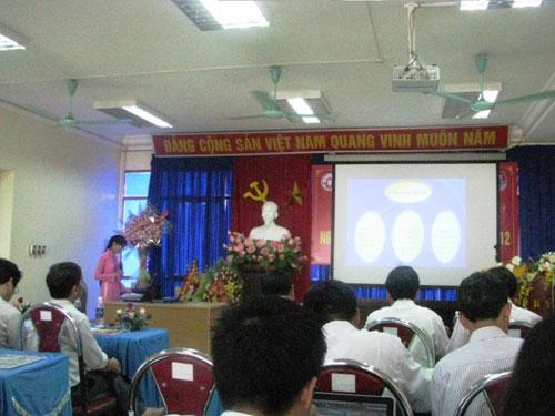 "V/v nghiem thu de tai NCKH Sinh vien va ke hoach xet giai thuong ""Tai nang khoa  hoc tre Viet Nam"" nam hoc 2012 - 2013"