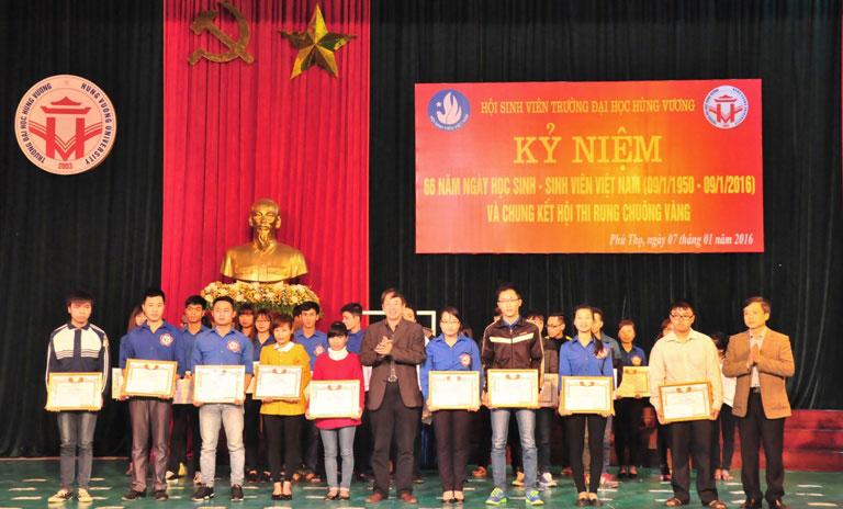 Doan truong Dai hoc Hung Vuong to chuc nhieu hoat dong ky niem 66 nam ngay hoc sinh – sinh vien Viet Nam (09/01/1950-09/01/2016)