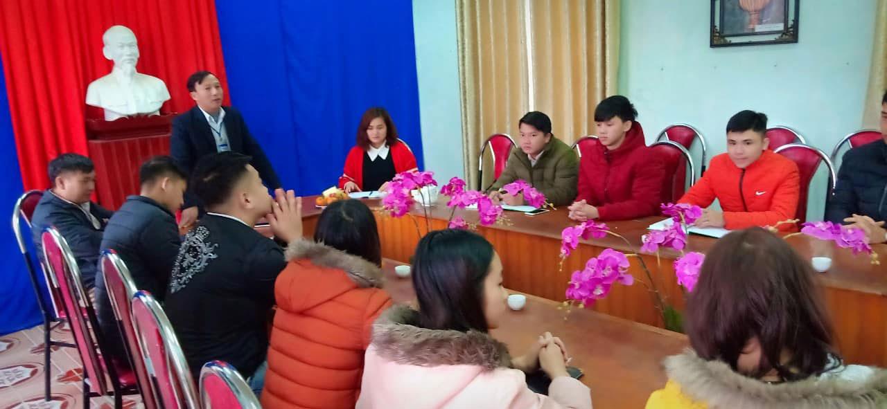 Sinh vien nganh Cong tac Xa hoi thuc hanh phat trien cong dong tai xa Minh Hac, huyen Ha Hoa