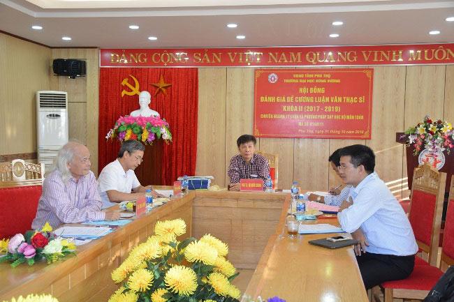 Hoi dong danh gia de cuong Luan van Thac si chuyen nganh Ly luan va Phuong phap day hoc bo mon Toan khoa II (2017 – 2019)