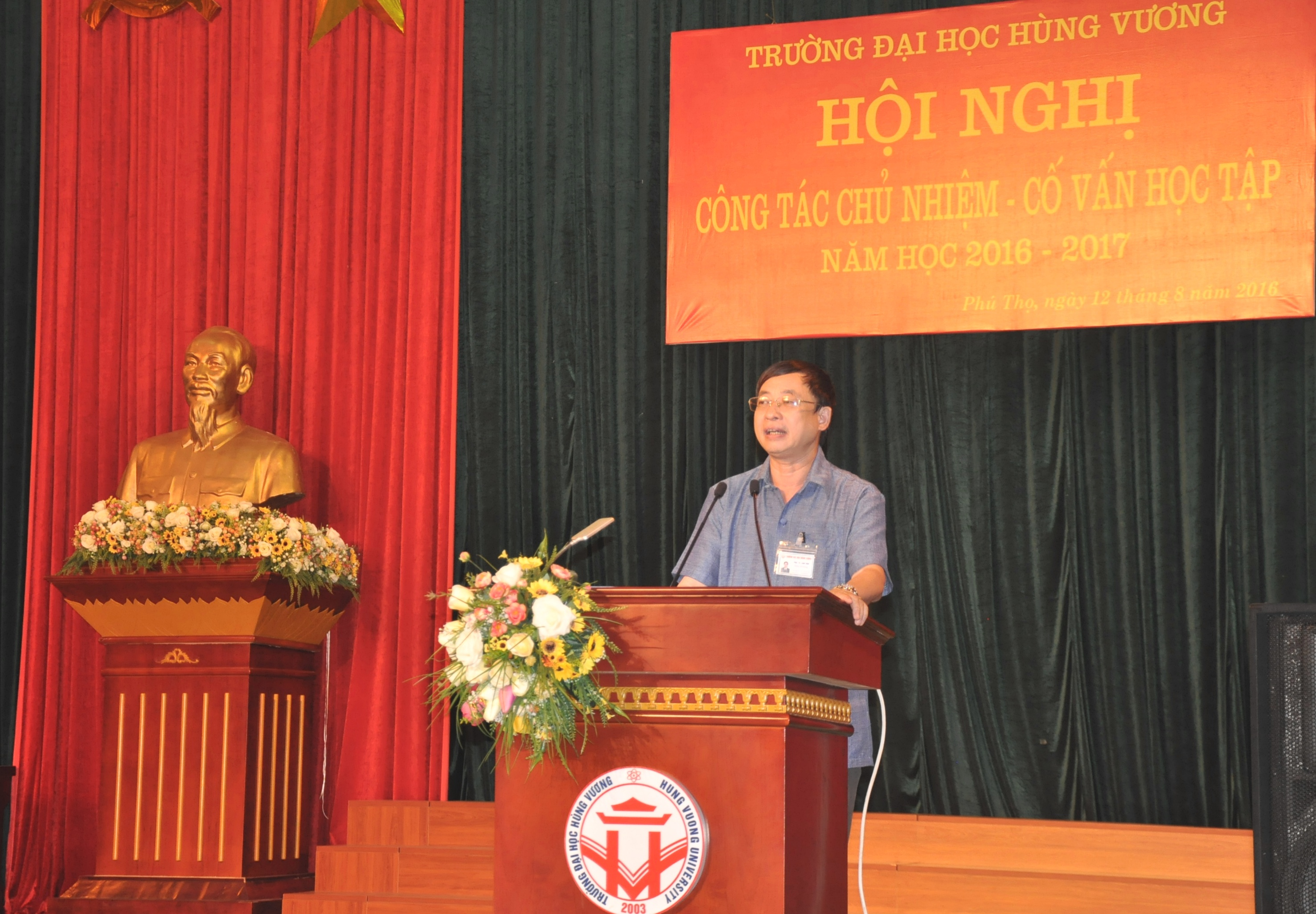 Truong Dai hoc Hung Vuong to chuc hoi nghi cong tac chu nhiem – co van hoc tap nam hoc 2016 – 2017