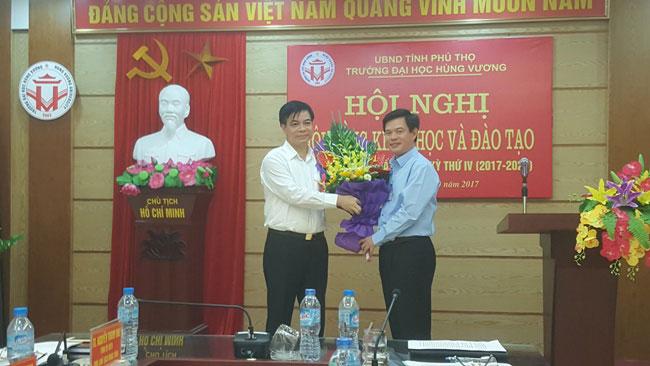 Truong Dai hoc Hung Vuong to chuc hoi nghi Hoi dong Khoa hoc va Dao tao phien hop thu nhat, nhiem ky thu IV (2017- 2022)