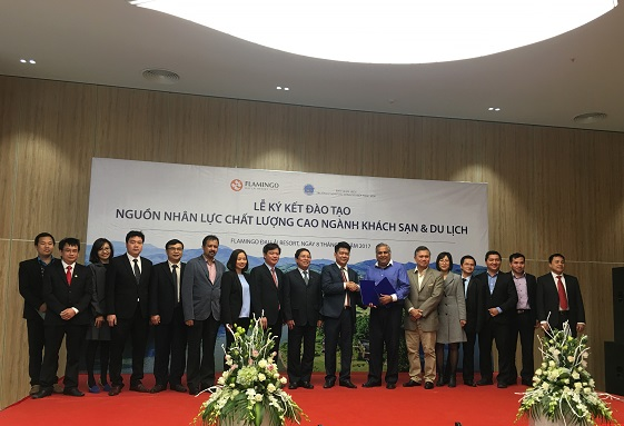 Lanh dao Truong Dai hoc Hung Vuong: tham va lam viec tai TP. Ho Chi Minh