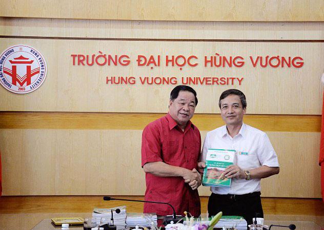 Truong Dai hoc Hung Vuong lam viec voi Hiep hoi Nong nghiep huu co Viet Nam
