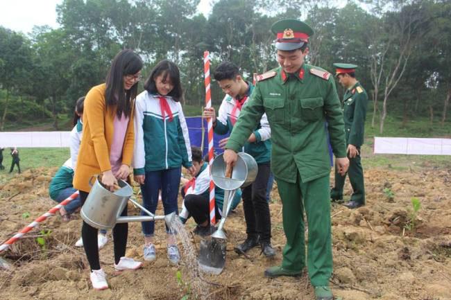 Nguyen Thi My Hanh va thanh tich noi troi trong huong dan hoc sinh gioi