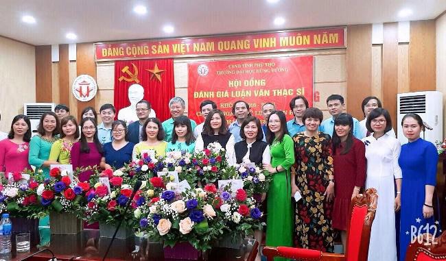 Truong Dai hoc Hung Vuong to chuc Hoi dong danh gia Luan van Thac si chuyen nganh Li luan van hoc (khoa 1, dot 2 nam 2018)