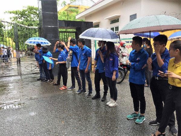 Sinh vien tinh nguyen Truong DH Hung Vuong: Rang ro sac xanh, dong hanh, tin cay