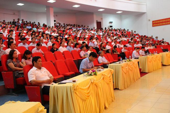 Hoi nghi thong tin thoi su 6 thang dau nam 2018 tai Truong Dai hoc Hung Vuong thanh cong tot dep