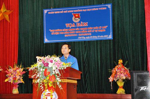 "Truong Dai hoc Hung Vuong to chuc toa dam voi chu de ""Con duong cach mang cua thanh nien thoi ky moi"" ky niem 100 nam ngay sinh dong chi Ly Tu Trong"