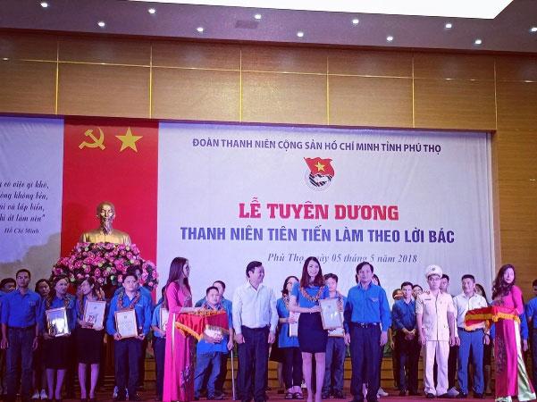 Dong chi Dao Thi Thuy Huong – Cuu sinh vien Khoa 4, Truong Dai hoc Hung vuong – Guong sang thanh nien tien tien lam theo loi Bac nam 2018