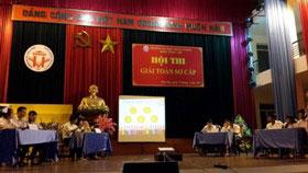 """Khoa Toan - Tin, Truong Dai hoc Hung Vuong to chuc """"Hoi thi giai toan so cap nam 2017"""""""