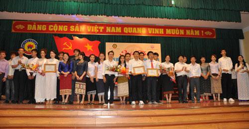 Hoi thi tieng Viet va giao luu van hoa Viet – Lao lan thu nhat nam 2014 tai Truong Dai hoc Hong Duc – Thanh Hoa