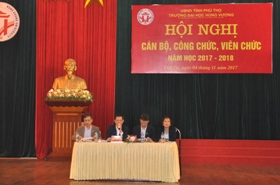 Truong Dai hoc Hung Vuong to chuc Hoi nghi can bo, cong chuc, vien chuc nam hoc 2017-2018