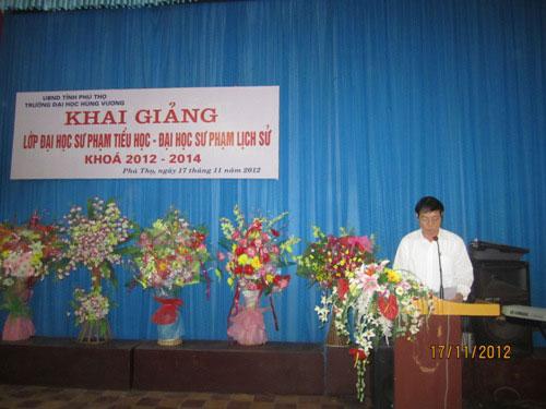 Khai giang lop DHSP lien thong nganh Lich su va Tieu hoc khoa 2012 - 2014