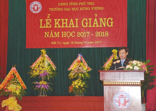 Truong Dai hoc Hung Vuong long trong to chuc le Khai giang nam hoc 2017-2018