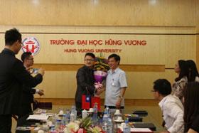 Lam viec voi Doan cong tac Cong ty Co phan Thuc pham Tan Han, Dai Loan