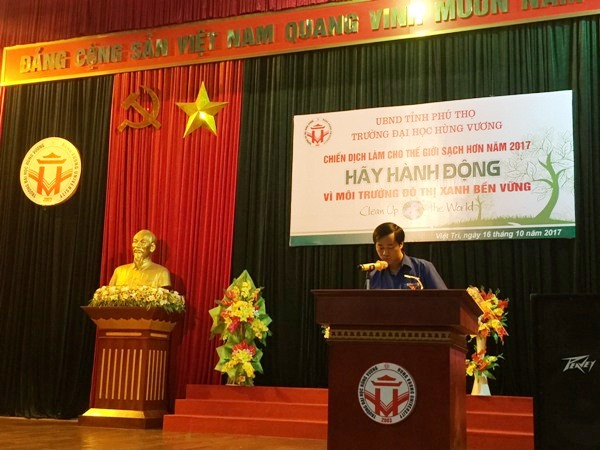 Truong Dai hoc Hung Vuong to chuc cac hoat dong de huong ung Chien dich lam the gioi sach hon