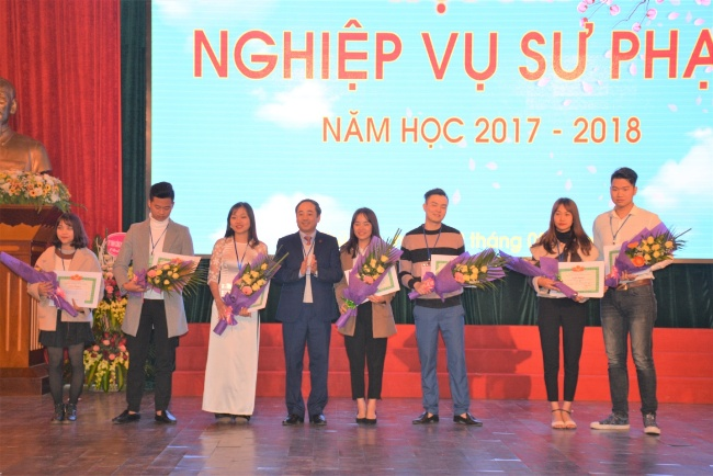 Soi noi Hoi thi nghiep vu su pham nam hoc 2017 - 2018 tai Truong DH Hung Vuong