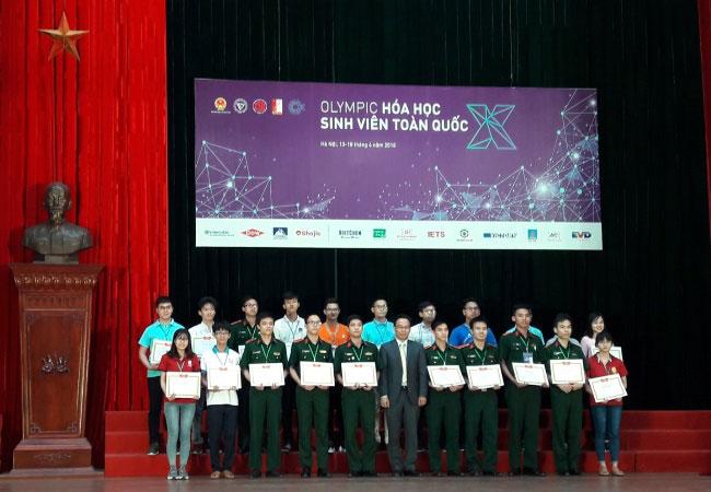 Sinh vien Truong Dai hoc Hung Vuong xuat sac gianh nhieu giai cao tai Ky thi Olympic Hoa hoc sinh vien toan quoc lan thu X nam 2018