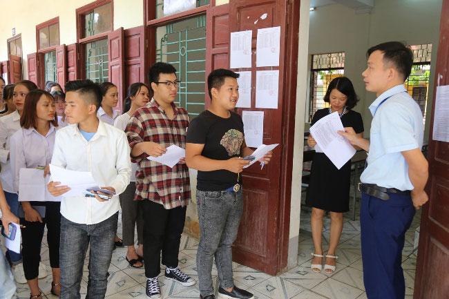 Toan canh Truong Dai hoc Hung Vuong tham gia Ky thi THPT Quoc gia nam 2018 tai tinh Phu Tho