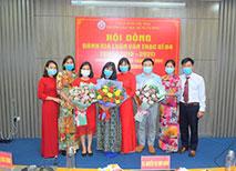 Hoi dong danh gia Luan van Thac si khoa 2019 - 2021 chuyen nganh Ly luan Van hoc thanh cong tot dep
