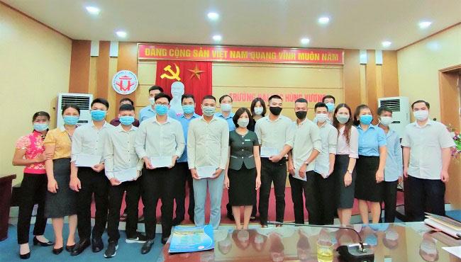 Gap mat cac sinh vien tot nghiep tham gia dao tao si quan du bi tai Truong Quan su (Quan Khu II) nam 2021