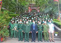 Hanh trinh ve voi coi nguon dan toc va tham quan Bao tang Quan khu II cua cac sinh vien NEU khoa K62