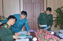 Ban Chi huy quan su thanh pho Viet Tri kiem tra cong tac Quan su - Quoc phong tai Truong Dai hoc Hung Vuong